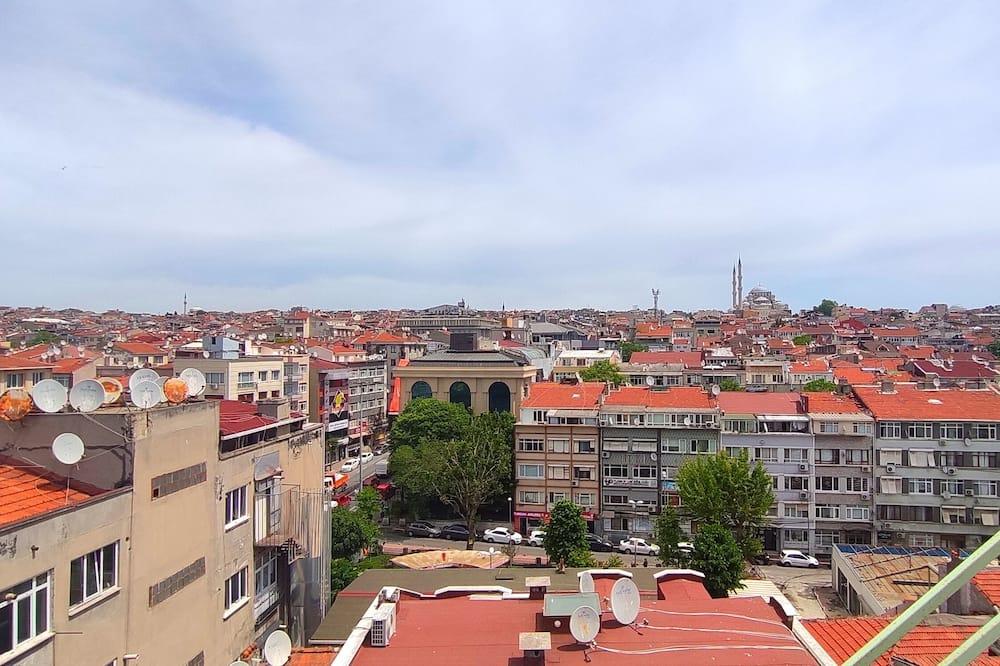 Kamar Quadruple Basic - Pemandangan Kota
