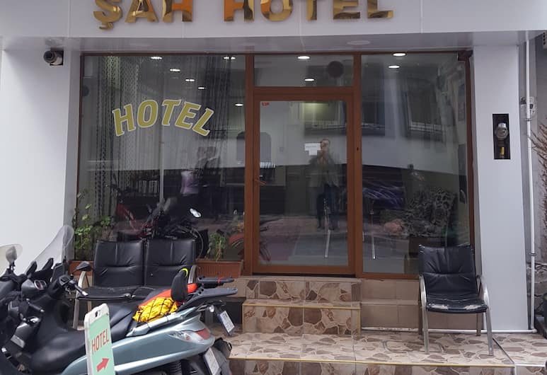 Sah Hotel, Istanbul, Hotellets front