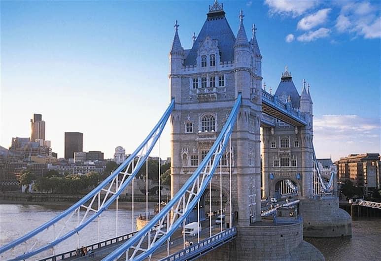 Donatello Rooms Tower Bridge, Londra, Rıhtım