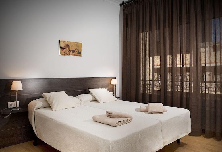 ClassBedroom Sagrada Familia Apartments, Barcelona, Apartmán, 3 spálne, balkón (3-3), Izba
