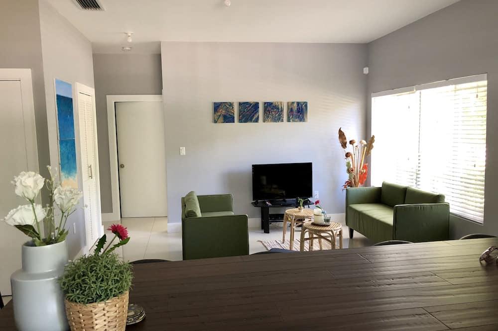 غرفة دوبلكس عائلية - عدة أسرّة - لغير المدخنين - منطقة المعيشة