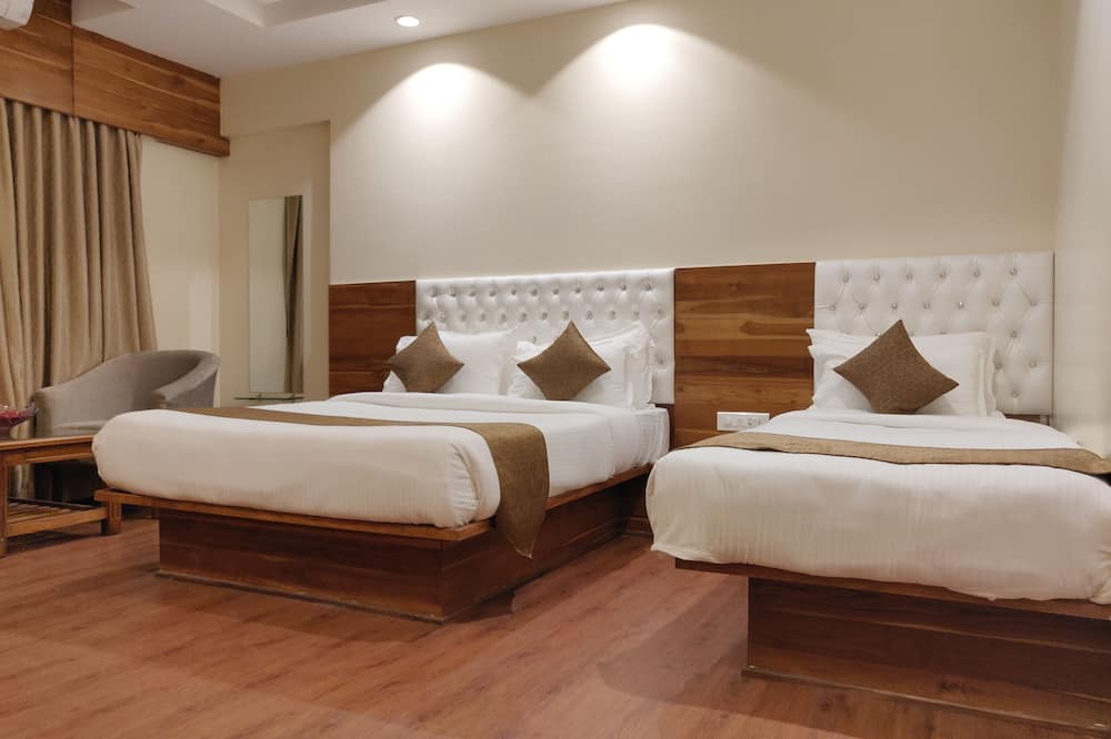 Deluxe Triple Room, Accessible, Non Smoking - Guest Room