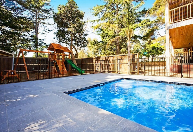 Beach House Units - 2, Cowes, Outdoor Pool
