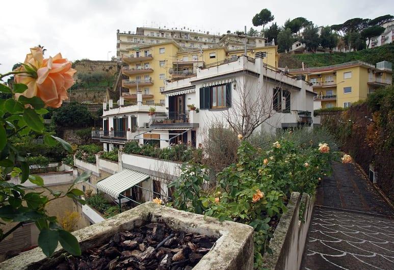 拉羅奇亞別墅酒店, 那不勒斯, 外觀