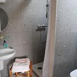 Doppelzimmer (Vieux Tilleul) - Badezimmer