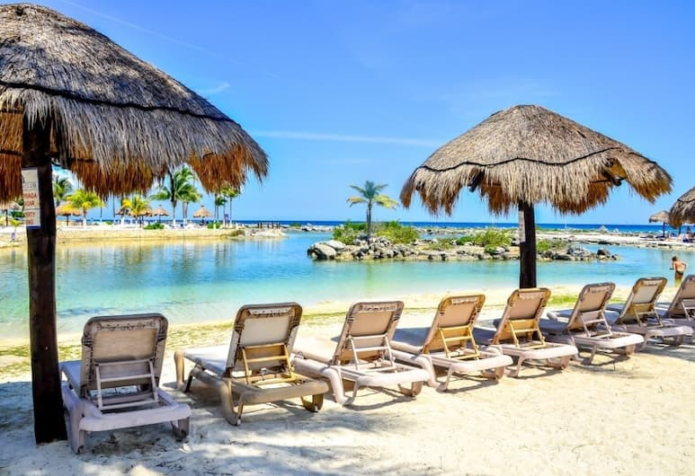 碼頭探險俱樂部酒店, 阿範特拉斯港, 海灘