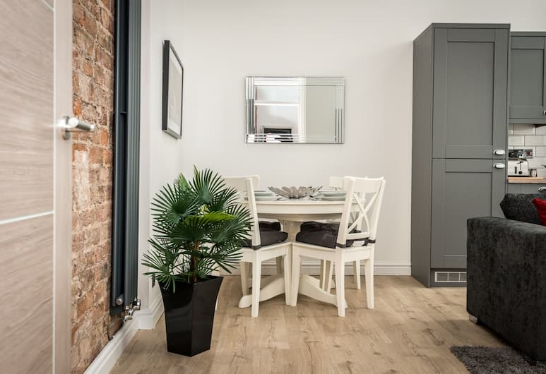 Stunning City Centre 2 Bedroom Apartments , Liverpool