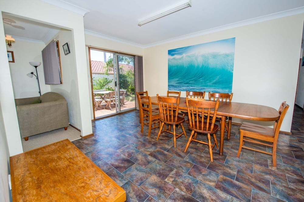 House, 4 Bedrooms - In-Room Dining