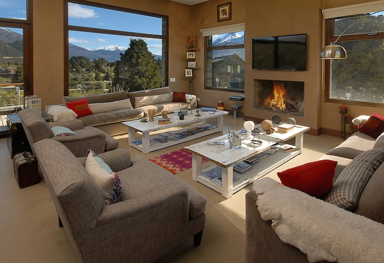 Luxurious Residence In Arelauquen AG9, San Carlos de Bariloche, Design House, Multiple Beds, Living Room