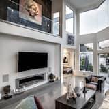Luxury House, 5 Bedrooms - Living Room