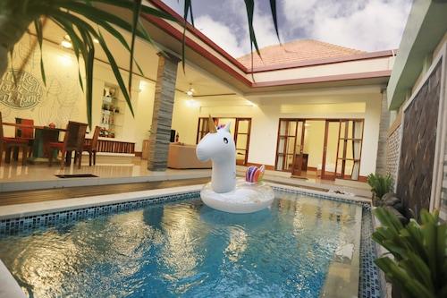 Krishna Villas Legian Indonesia Legian Hotel Discounts Hotels Com