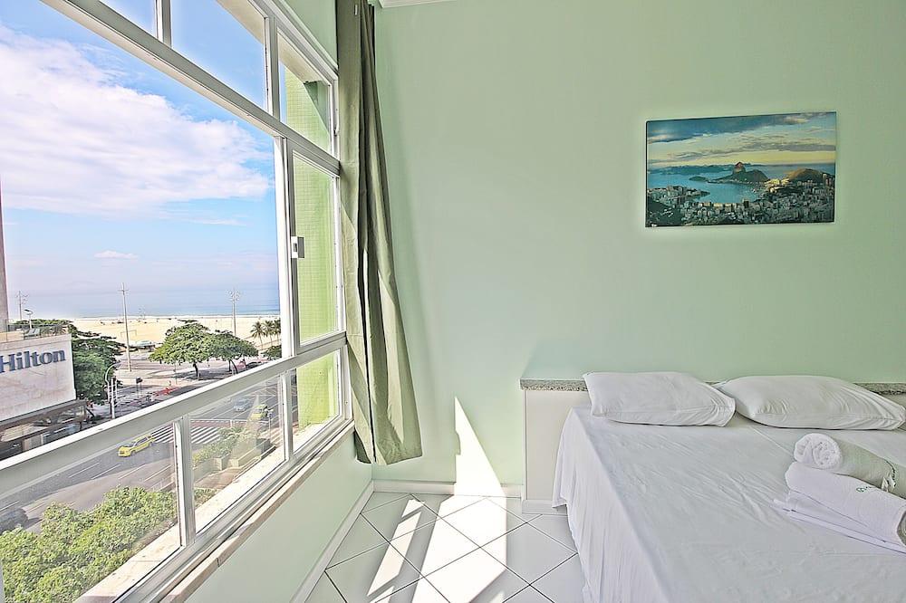 Modern Studio With Beautiful View to Copacabana Beach