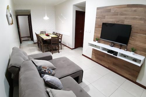 アパートメントは3ベッドルームと2台の駐車スペースを完備しています。/