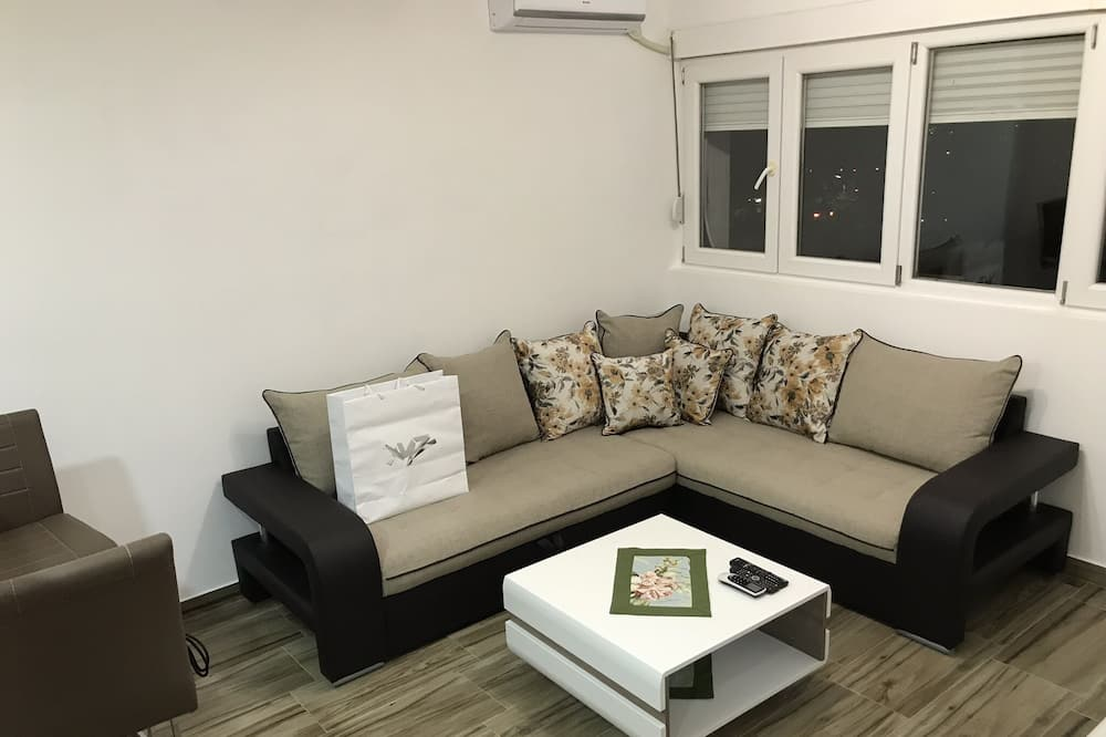 Sweet Small Apartment in Podgorica With Park View