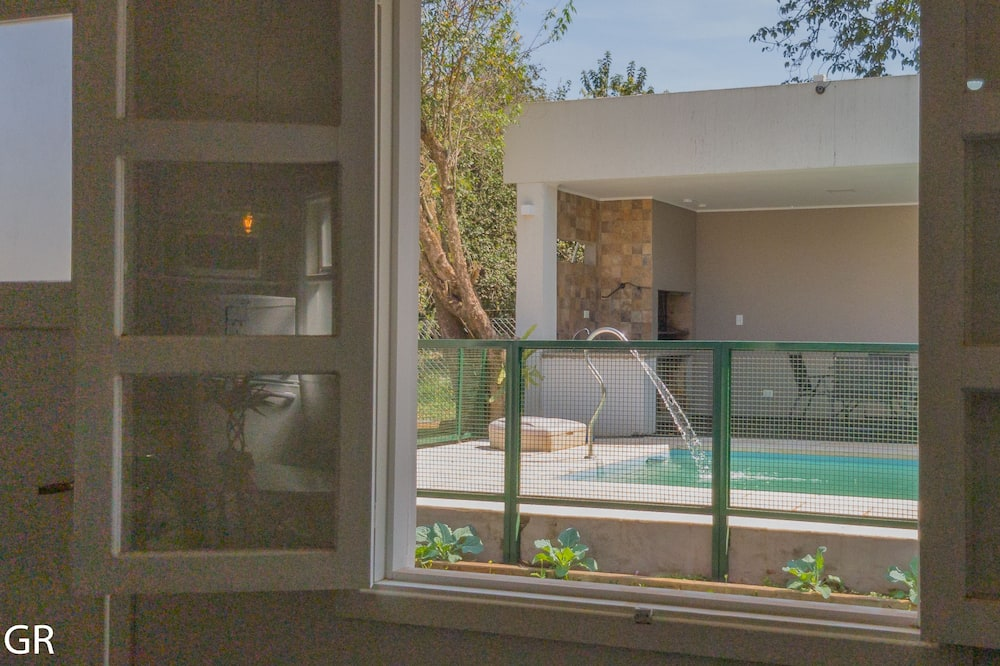 Pokoj typu Superior, 2 ložnice, výhled na bazén - Výhled zpokoje