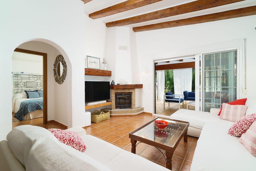 Villa, 4 Bedrooms, Patio - Living Area