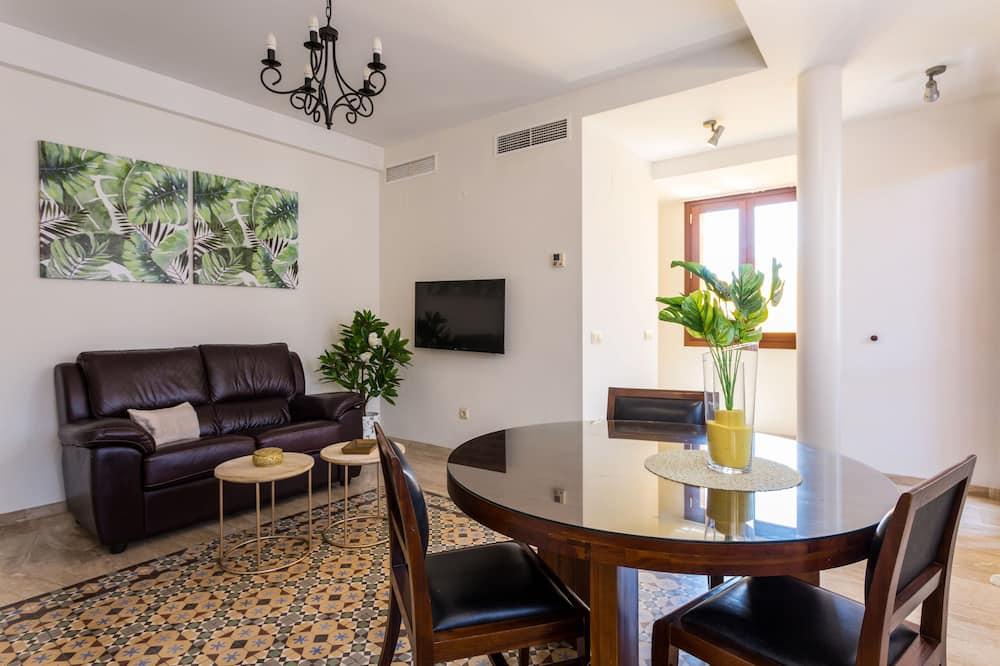 Deluxe Apart Daire, 2 Yatak Odası, Balkon - Odada Yemek Servisi