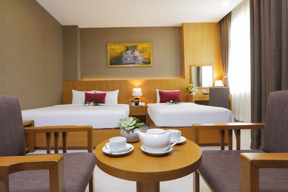 Trivietis kambarys (Suite) - Svetainės zona
