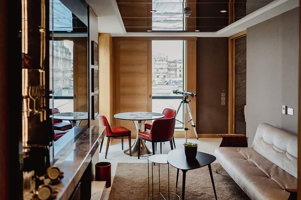 Suite (Alba) - Living Area