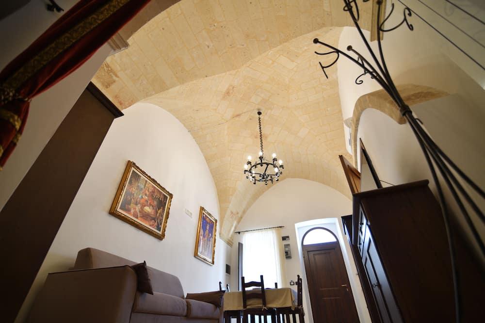 Apartment, 1 Bedroom (La Sala del Trono) - Living Area