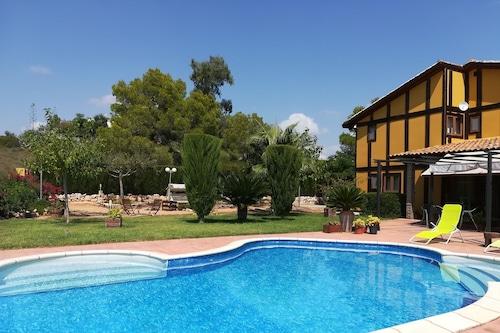 艾爾拉克品多拉酒店