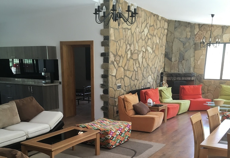 Villa In The Valley, Oulad Khallouf, Deluxe Villa, Multiple Beds, Non Smoking, Living Area