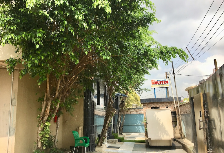 Trendor Hotel, Lagos, Hotelový areál