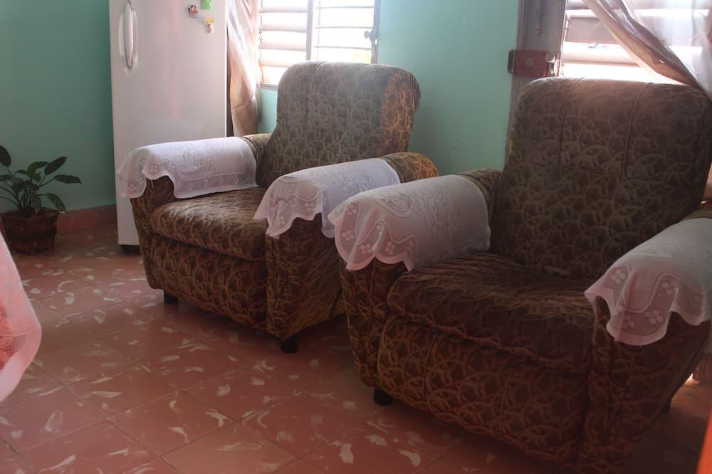 Comfort Triple Room, Multiple Beds - Living Area