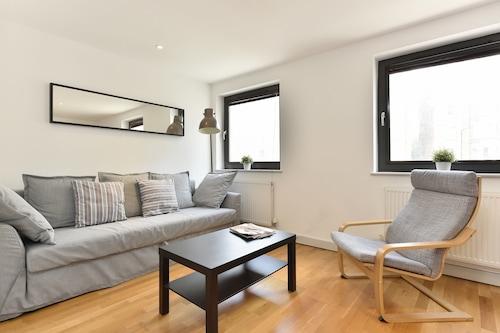 倫敦眼公寓酒店/