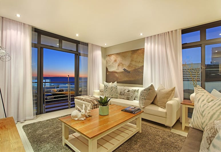 Eden on the Bay 114, Cape Town, Luxury Apartment, 2 Bedrooms, Living Room