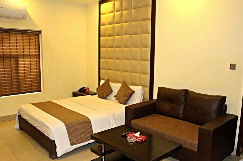 Chambre Double Exécutive, 1 lit double, accessible aux personnes à mobilité réduite, fumeurs - Chambre