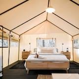 خيمة فاخرة - عدة أسرّة - بحمام مشترك - منظر للجبل - الغرفة