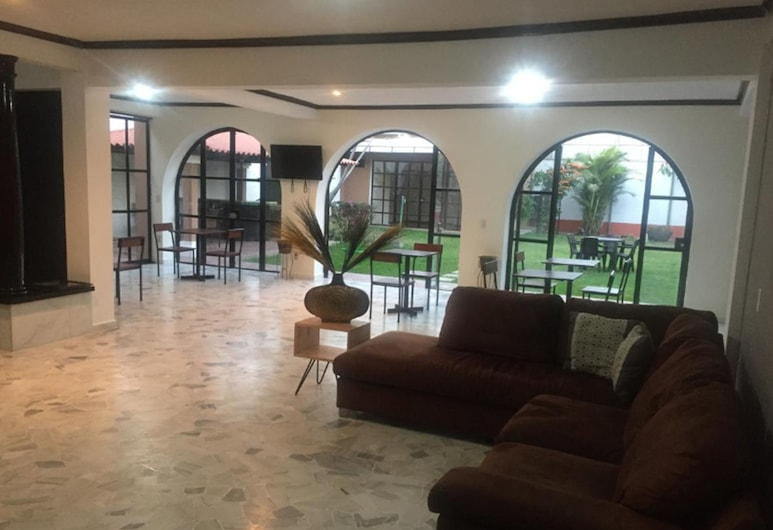 Alive Land Hotel Boutique, San Salvador, Lobby Lounge