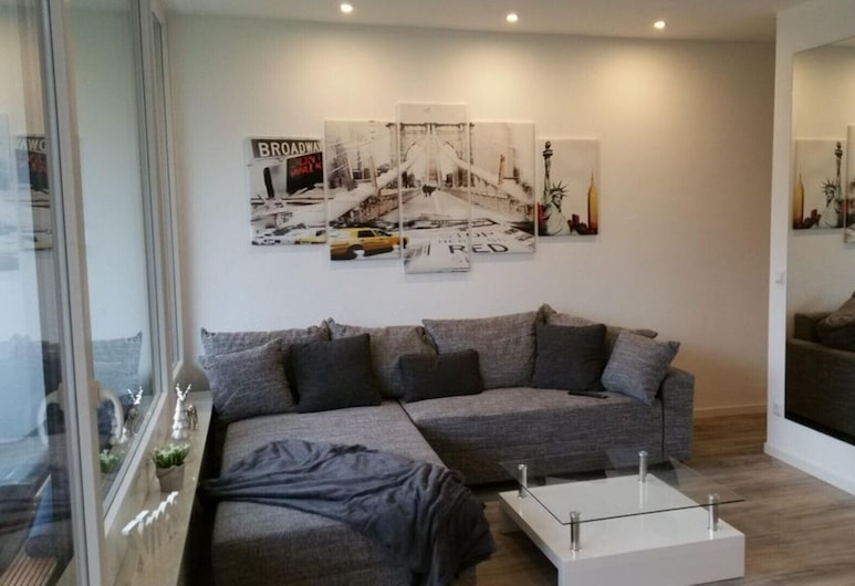 Tasteful bright apartment incl. Wlan modern equipment, Duisburg