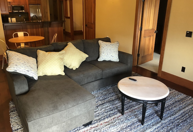 Appartements FisherBros 202, Astoria, Salle de séjour