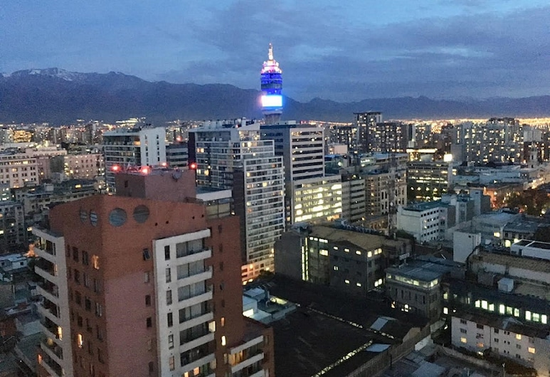 Moneda Express Apart, Santiago