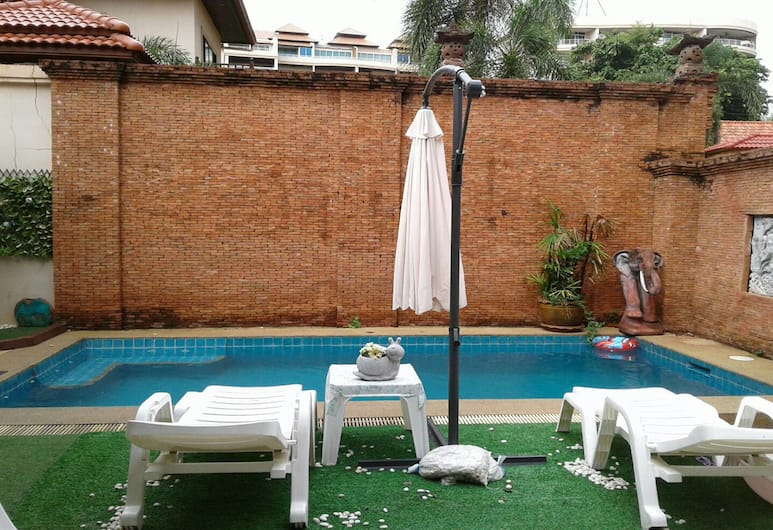 Mountain House, Pattaya, 3- Bedroom Private Pool Villa, Terraza o patio