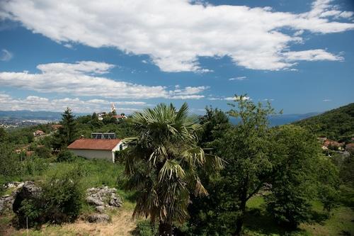 あなたの休暇のためのオパティヤの近くの素晴らしい豪華な場所/
