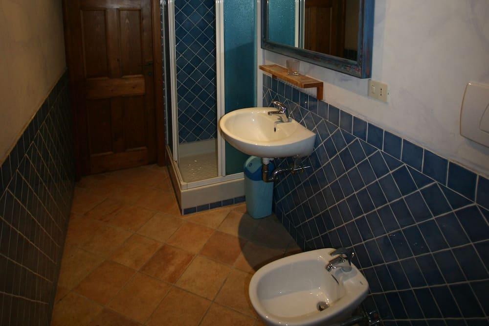 Апартаменты, 2 спальни, вид на море - Ванная комната