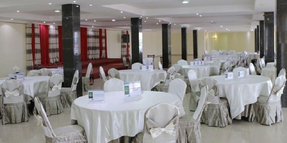 The dove hotel em kigali hoteis junglespirit Choice Image