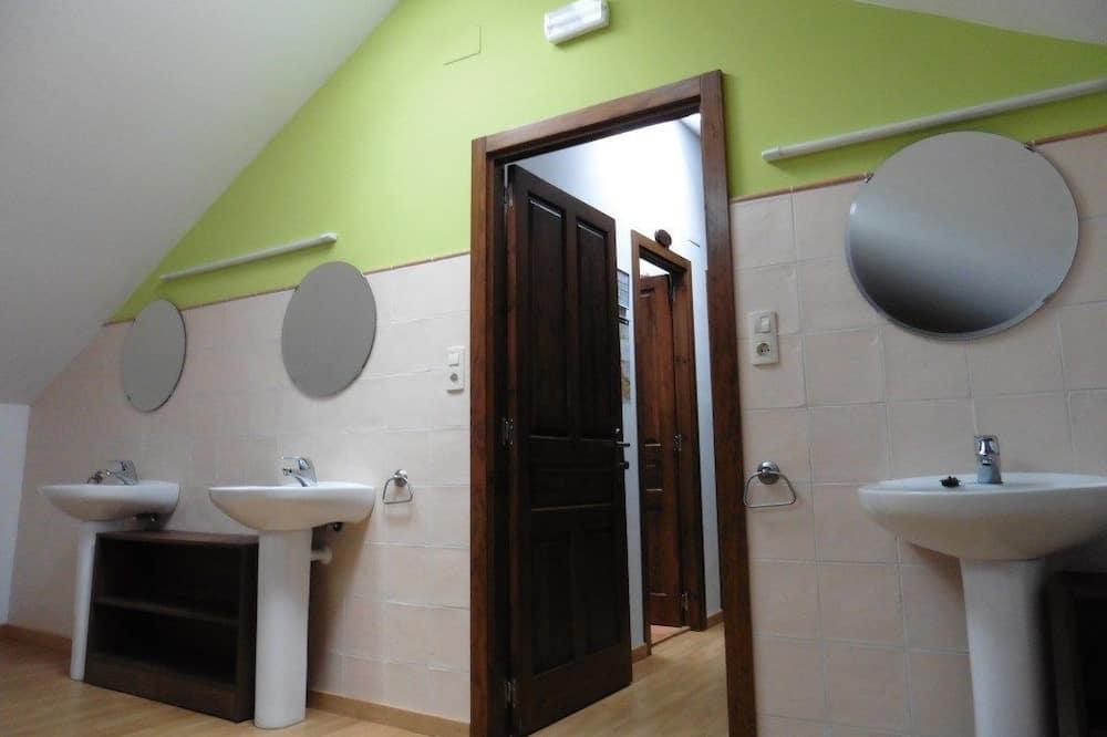 Szoba kétszemélyes ággyal (Bunk Bed) - Fürdőszoba