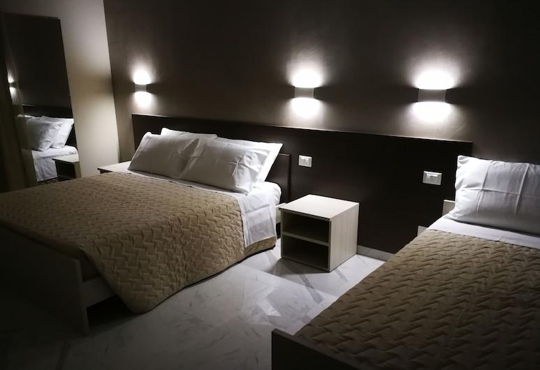 B&B Le Mura, Lecce, Triple Room, Guest Room
