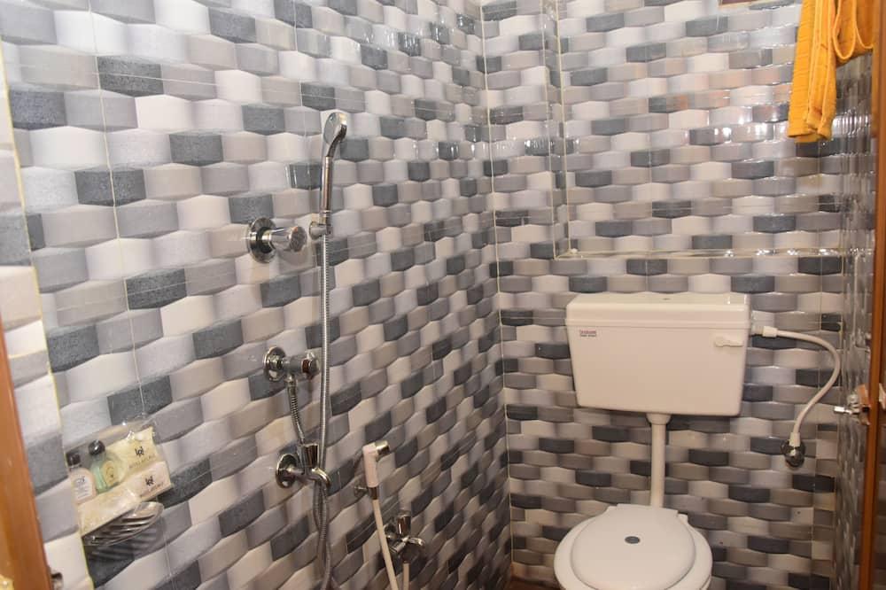 エコノミー ダブルルーム - バスルーム
