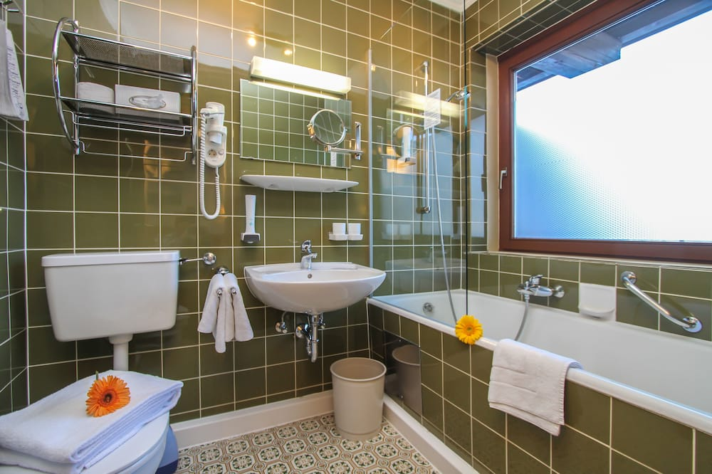 Double Room, 1 Double Bed, Non Smoking - Deep Soaking Bathtub