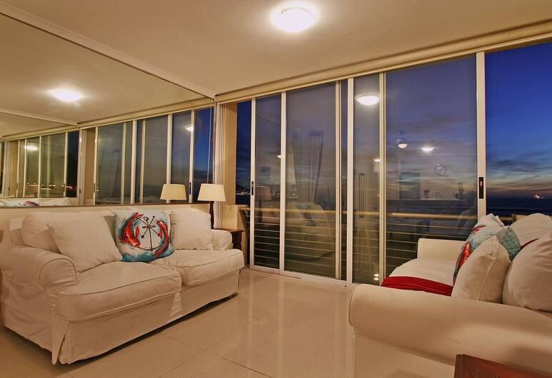 Leisure Bay 207, Cape Town