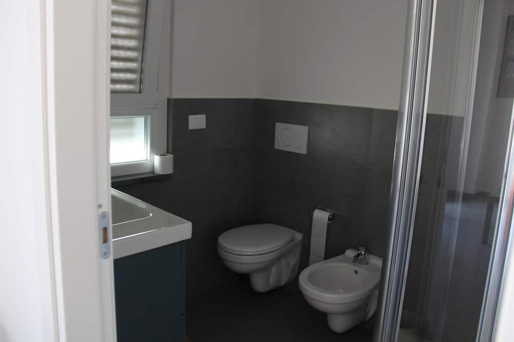 غرفة ثلاثية في المدينة - لغير المدخنين - حمّام