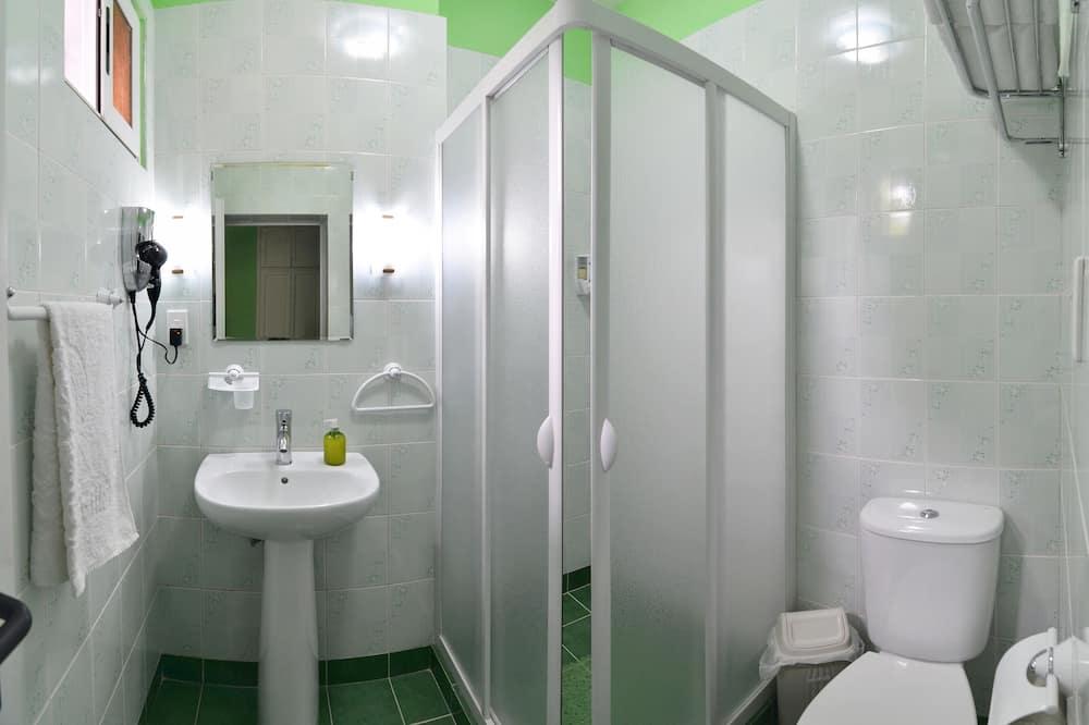 컴포트 트리플룸, 금연 - 욕실