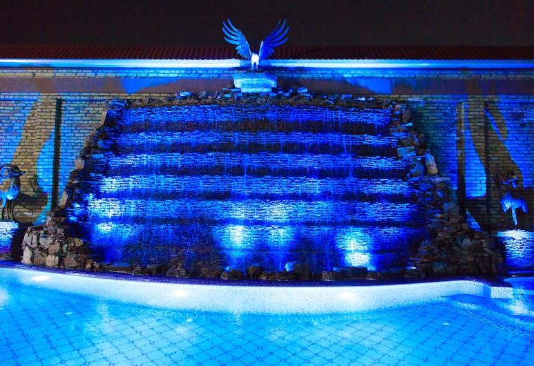 Rakat Plaza, Tashkent, Pool Waterfall
