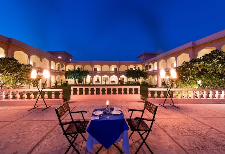 迪威別墅飯店, 瑟瓦伊馬托布爾