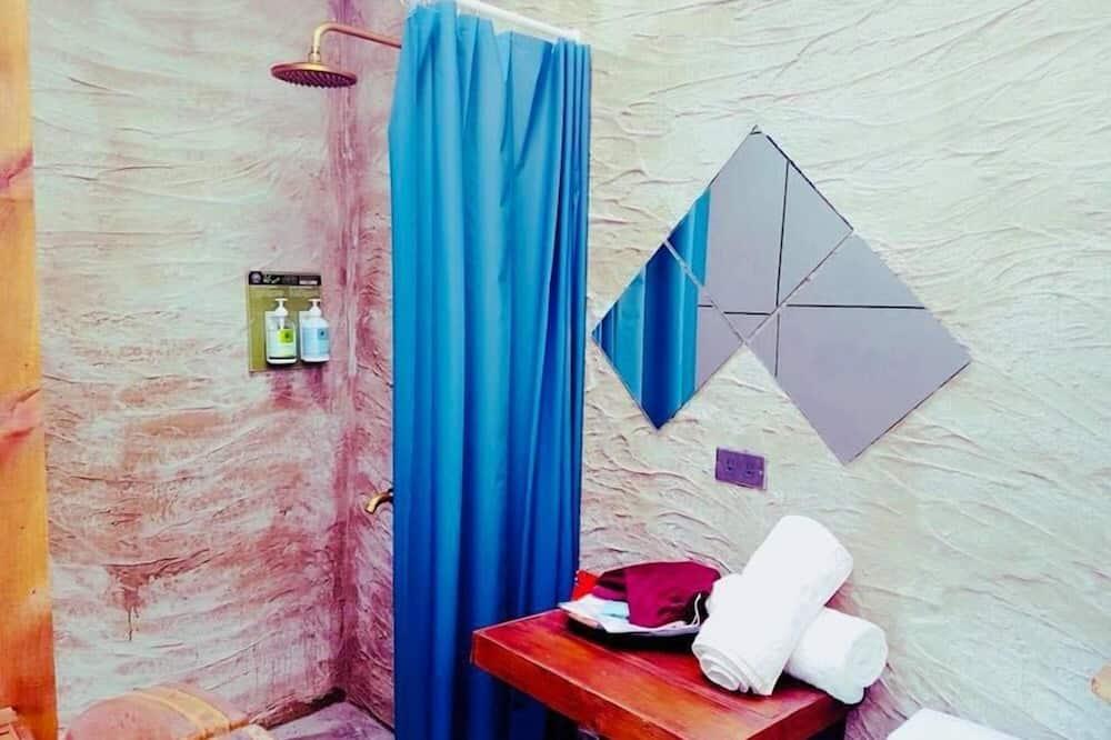 Basic Δίκλινο Δωμάτιο (Double), 1 Διπλό Κρεβάτι, Μη Καπνιστών - Μπάνιο